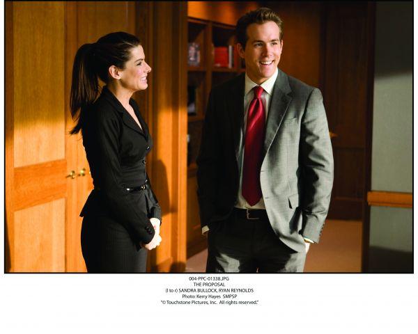 Margaret (Sandra Bullock) und ihr Assistent Andrew...raut'