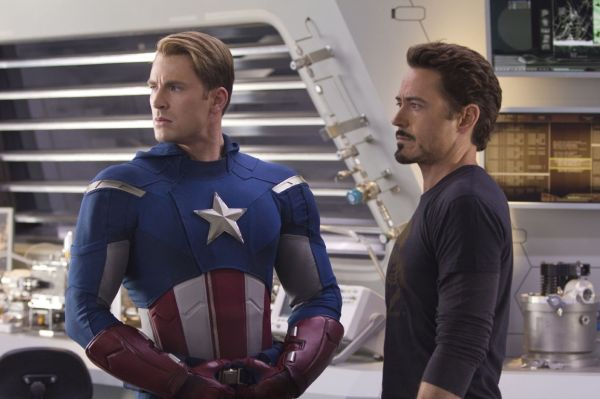The Avengers - CAPTAIN AMERICA (Chris Evans) und TONY...Jr.)