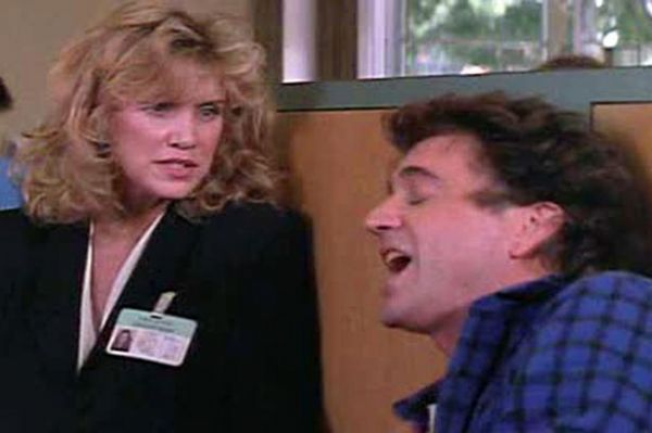 Mary Ellen Trainor mit Mel Gibson in Lethal Weapon
