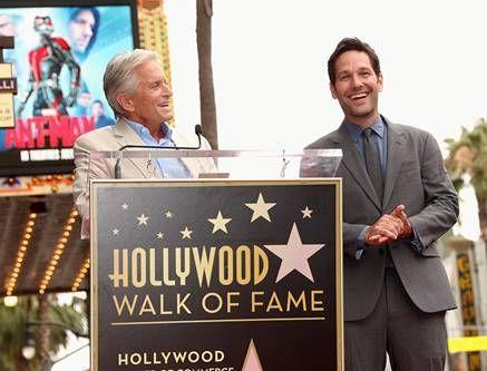 Michael Douglas und Paul Rudd auf dem Hollywood Walk...Fame