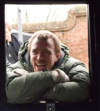 'Guy Ritchie' bei den Dreharbeiten zu 'Sherlock Holmes'